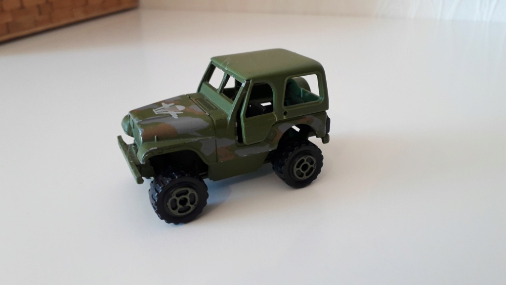 ma petite collection de majorette - Page 5 Jeep_c35