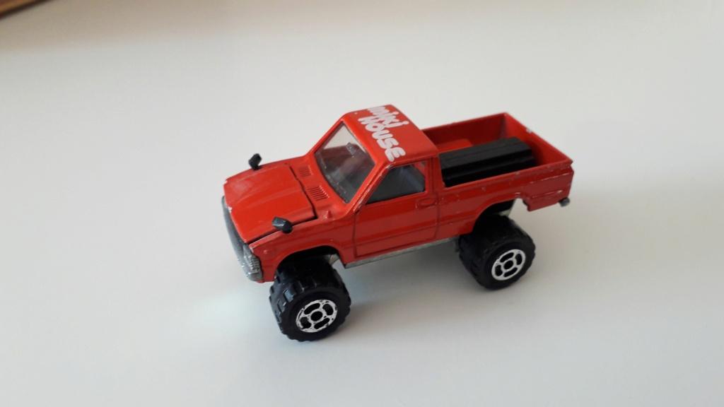 ma petite collection de majorette - Page 3 Toyota33