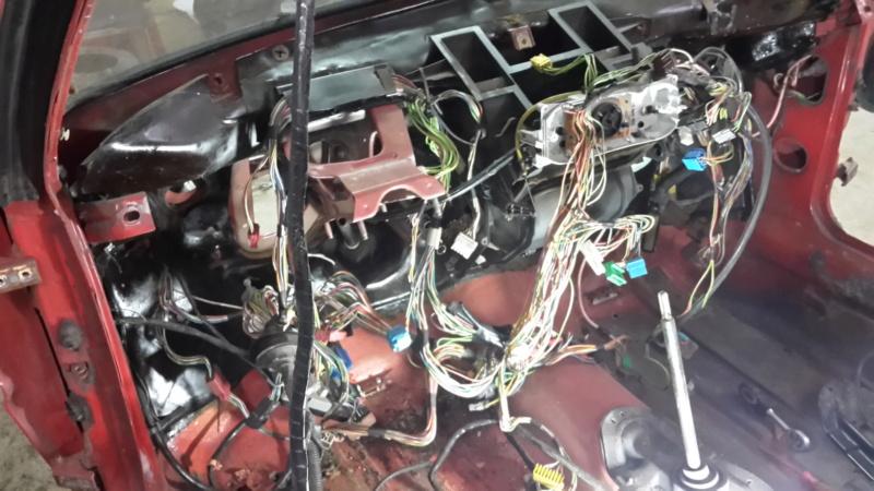 [HarikenRed]  205 GTI 1L9 - Rouge - 1992 (Restauration 100%) - Page 6 20161114