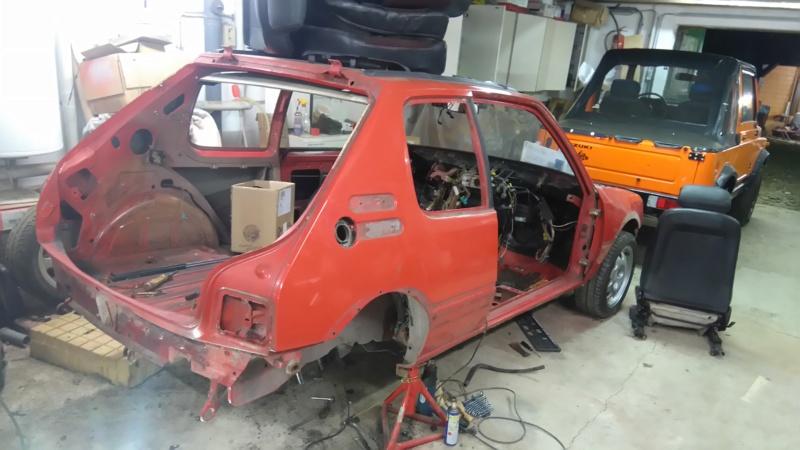 [HarikenRed]  205 GTI 1L9 - Rouge - 1992 (Restauration 100%) Dsc_0610