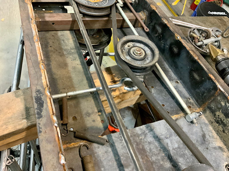 A Rat Rod Wheelbarrow Bucket T Tractor/Kart for my Grandson - Page 5 Ca577910