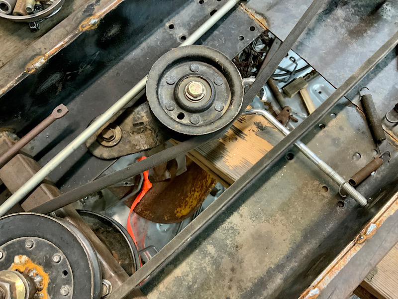 A Rat Rod Wheelbarrow Bucket T Tractor/Kart for my Grandson - Page 5 F32d9e10
