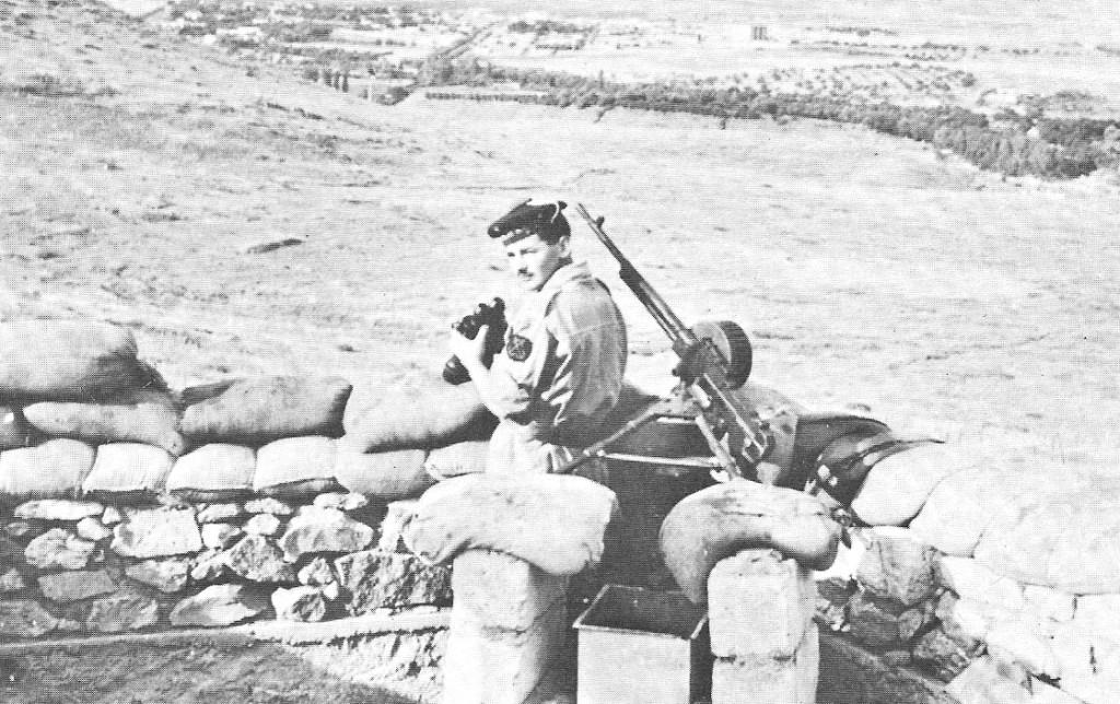 les dernieres mitrailleuse Hotchkiss en service opérationel Tenes_14