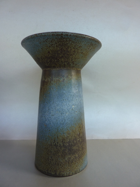 Stunning shaped and glazed vase dated - Ciro Holland  P1130118