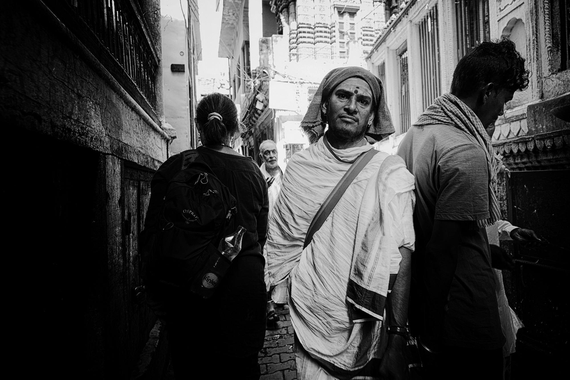 Balade dans les ruelles de Varanasi 011_p110