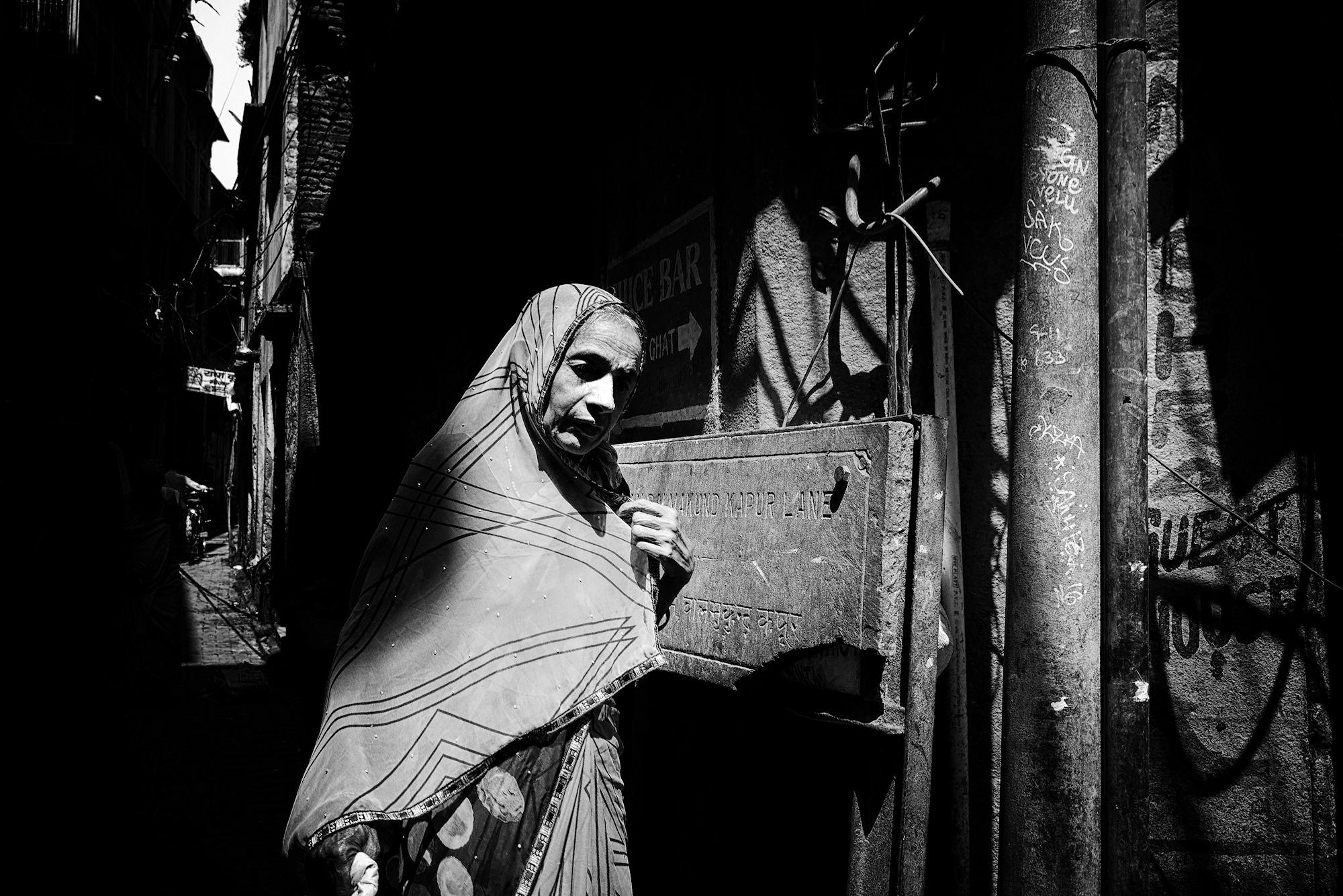 Balade dans les ruelles de Varanasi 012_p110