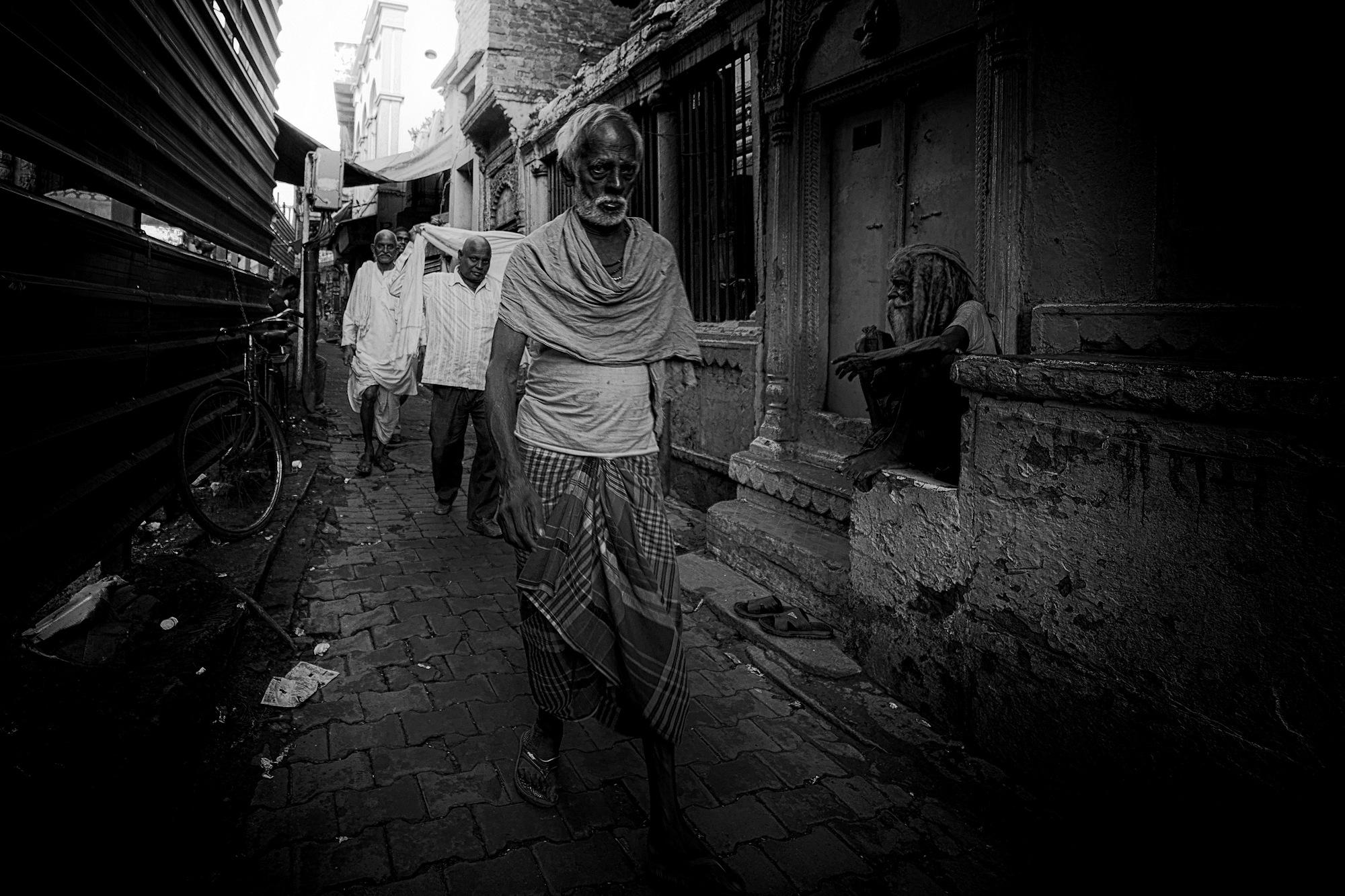 Balade dans les ruelles de Varanasi 014_p110