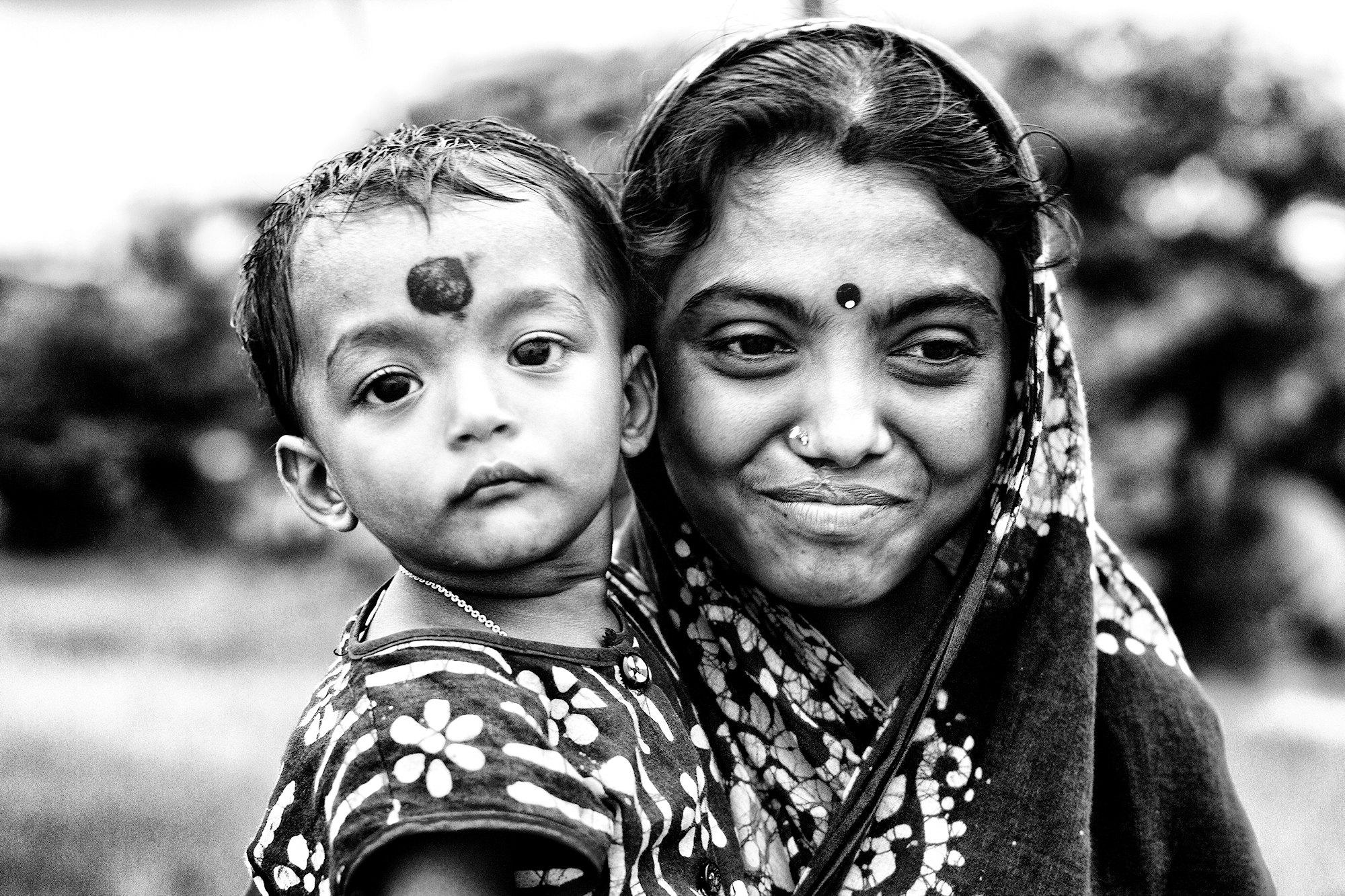 Jeune mère à l'enfant Img_0617