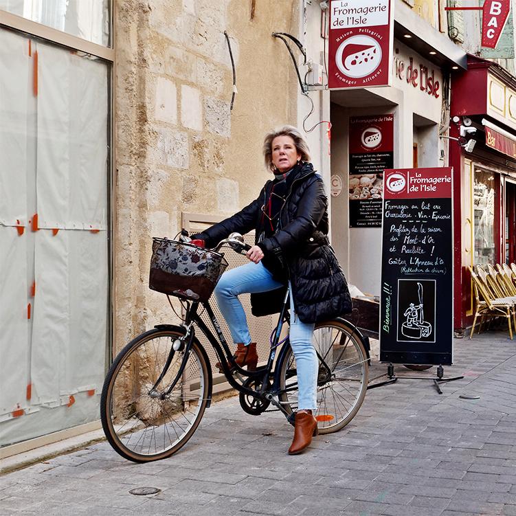 [Instants_de_vie_et_rue] Le vélo, ça décoiffe P1070110