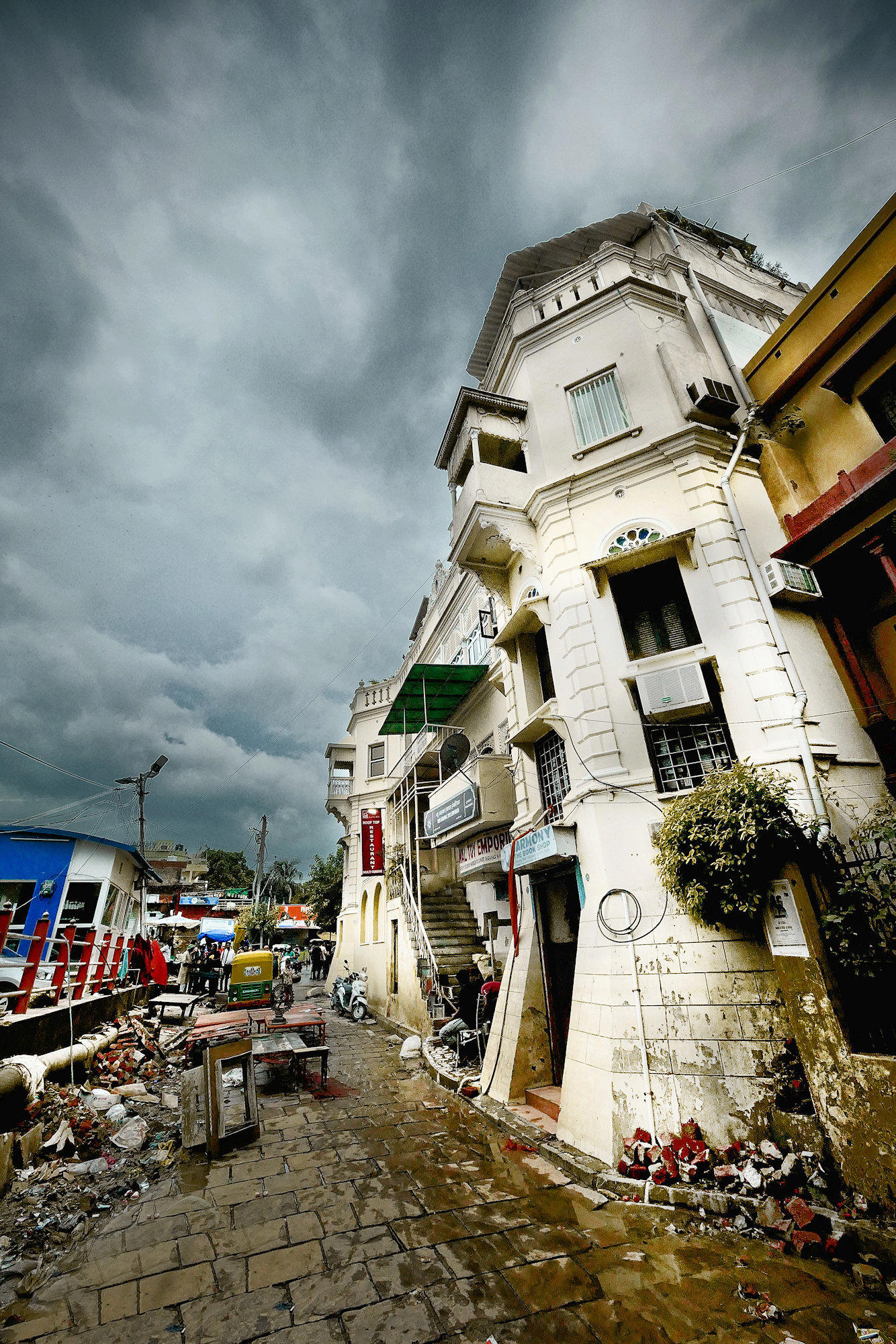 [Instants_de_vie_et_rue] Palace on Gange P1160211