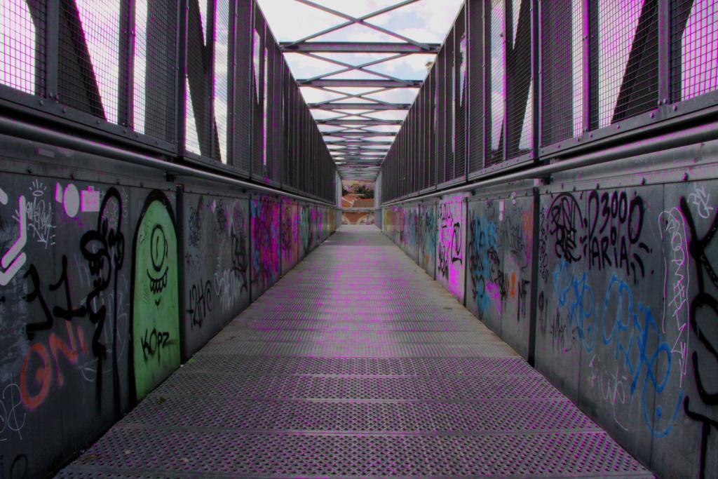 pont metal Pon_de10