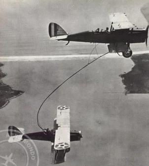 [ Aéronavale divers ] Quel est cet aéronef ? - Page 29 Aero-m10