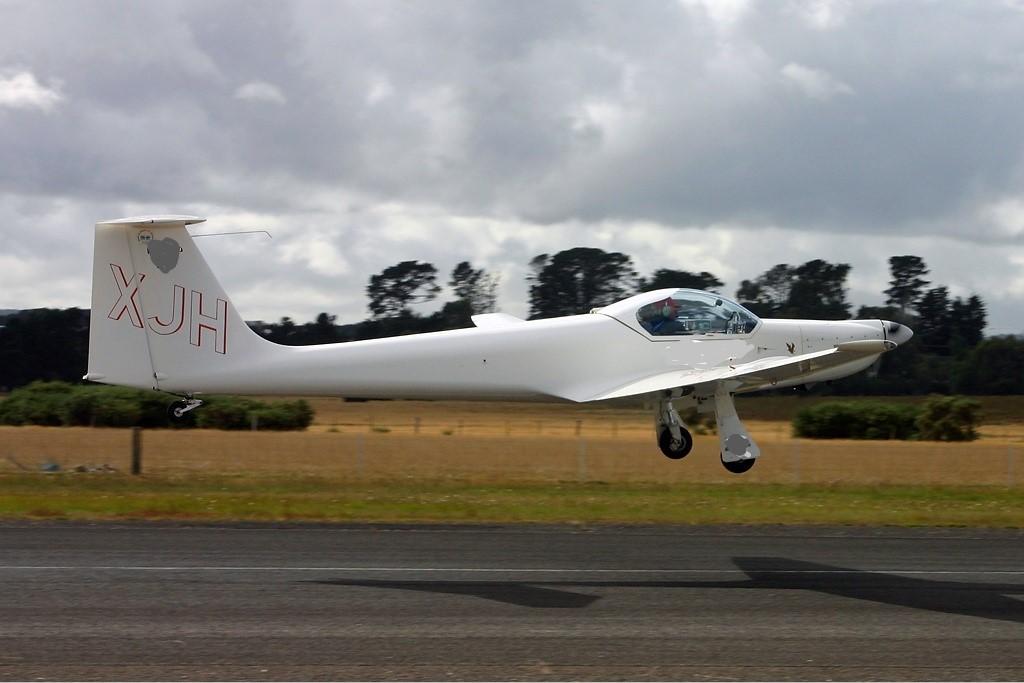 [ Aéronavale divers ] Quel est cet aéronef ? - Page 27 Aeromo10