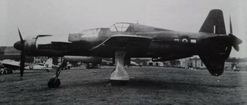 [ Aéronavale divers ] Quel est cet aéronef ? - Page 34 Avion_26