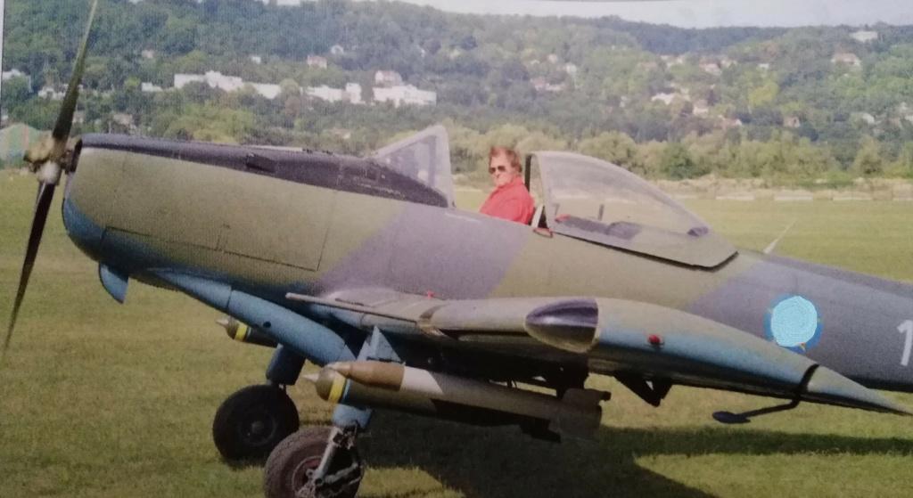 [ Aéronavale divers ] Quel est cet aéronef ? - Page 35 Avion_32