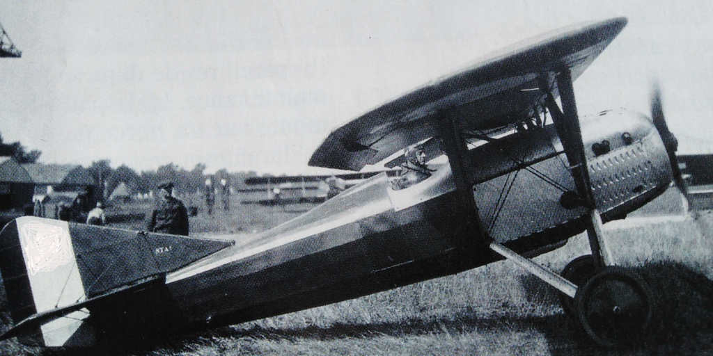 [ Aéronavale divers ] Quel est cet aéronef ? - Page 38 Avion_54