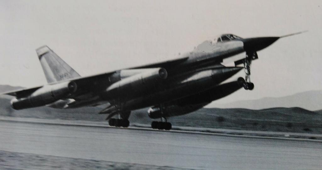 [ Aéronavale divers ] Quel est cet aéronef ? - Page 40 Avion_74