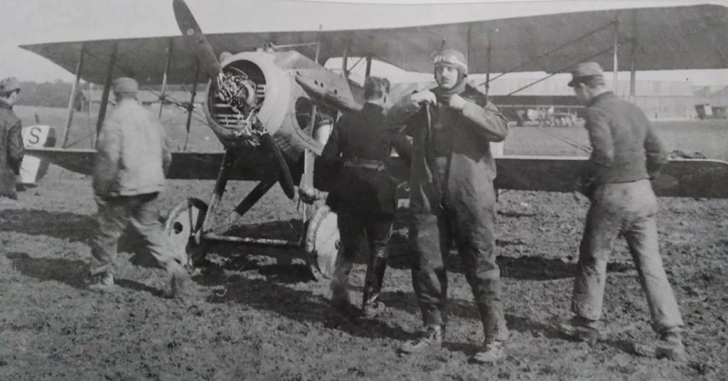[ Aéronavale divers ] Quel est cet aéronef ? Avion_81