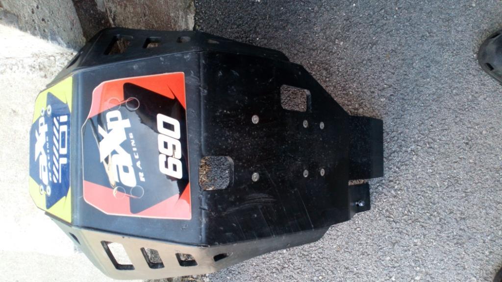 Vds Sabot  Enduro AXP Xtrem PHD noir KTM/Husqvarna 690/701 Sabot_11