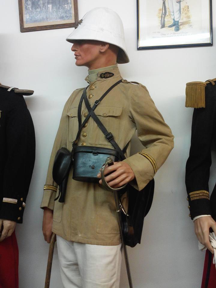 Identification vareuse coloniale officier  94390110