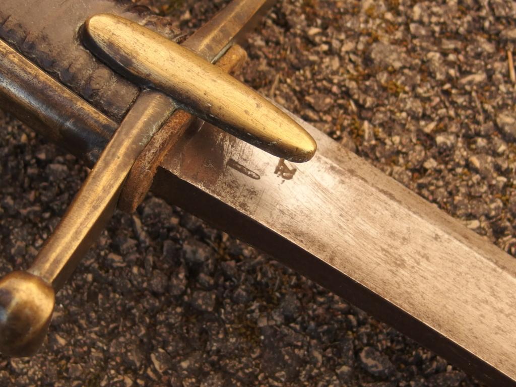 Encore un sabre de hussard républicain P4040017
