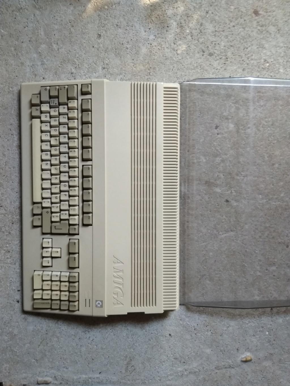 Vendu Amiga 500  Img_2053