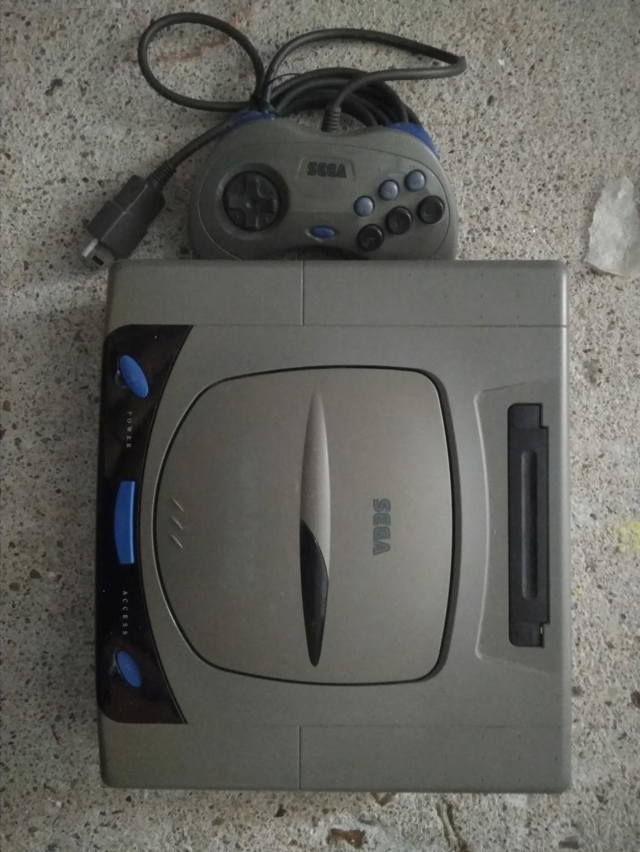 Vendue console Saturn Jap grise non testée Img_2120