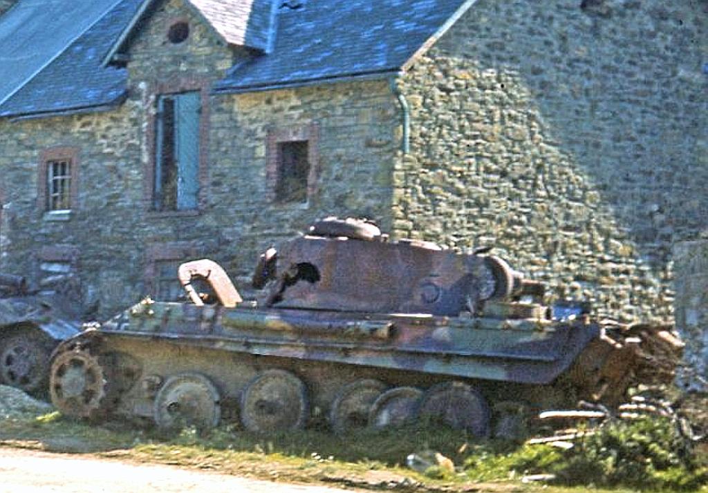 Hongrie 1945 diorama (Panther Ausf.G Late & Zundapp KS 750) - Page 5 Img_2011