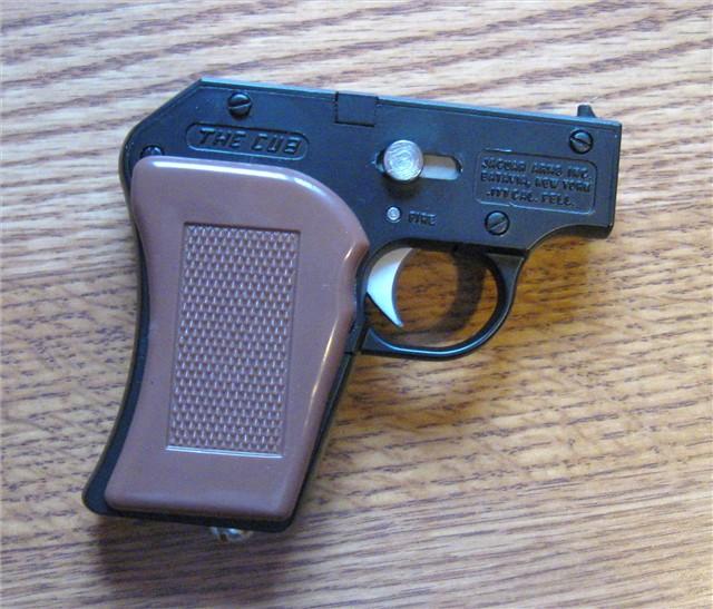 GOBLIN ATOM-8 Le plus petit pistolet CO2 du monde... Pix09410