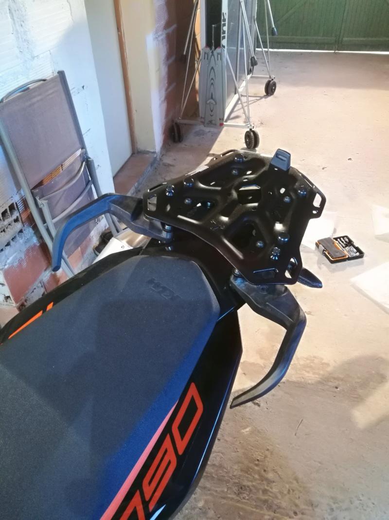 Platine SW MOTECH+GIVI TREKKER 52L Img_2012