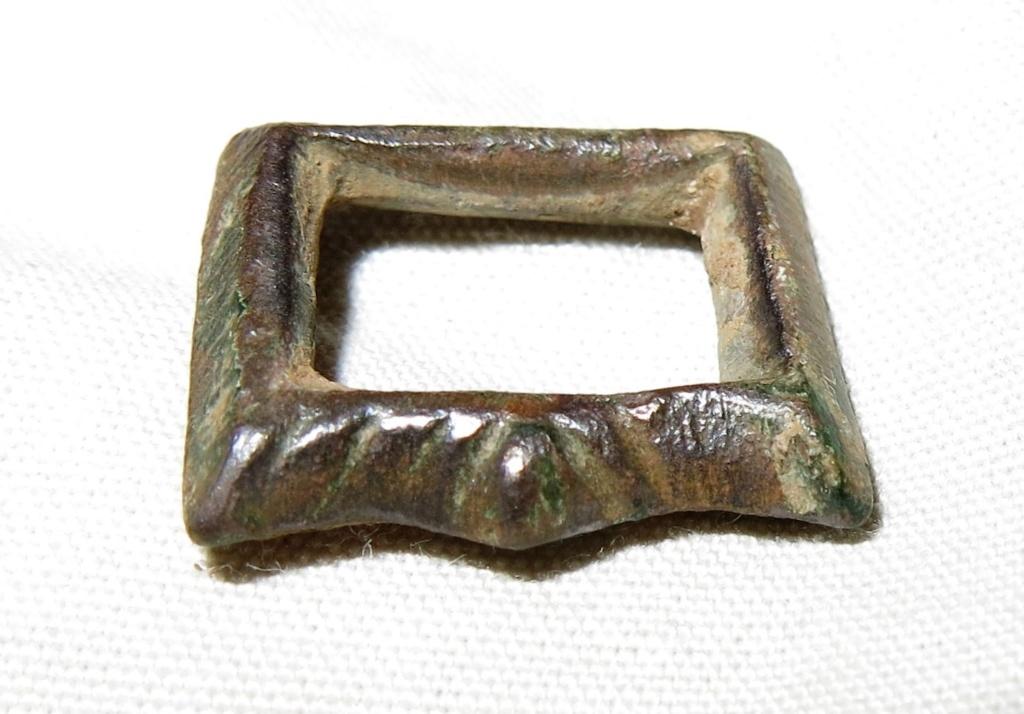 Datación hebillita de bronce. Hebill10