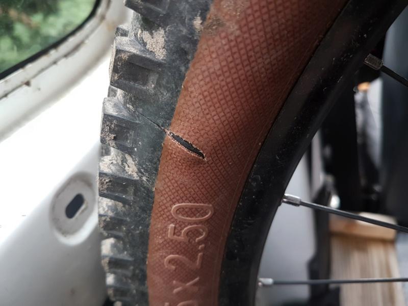 Reparation flanc de pneu (operation sauvetage) 20190910