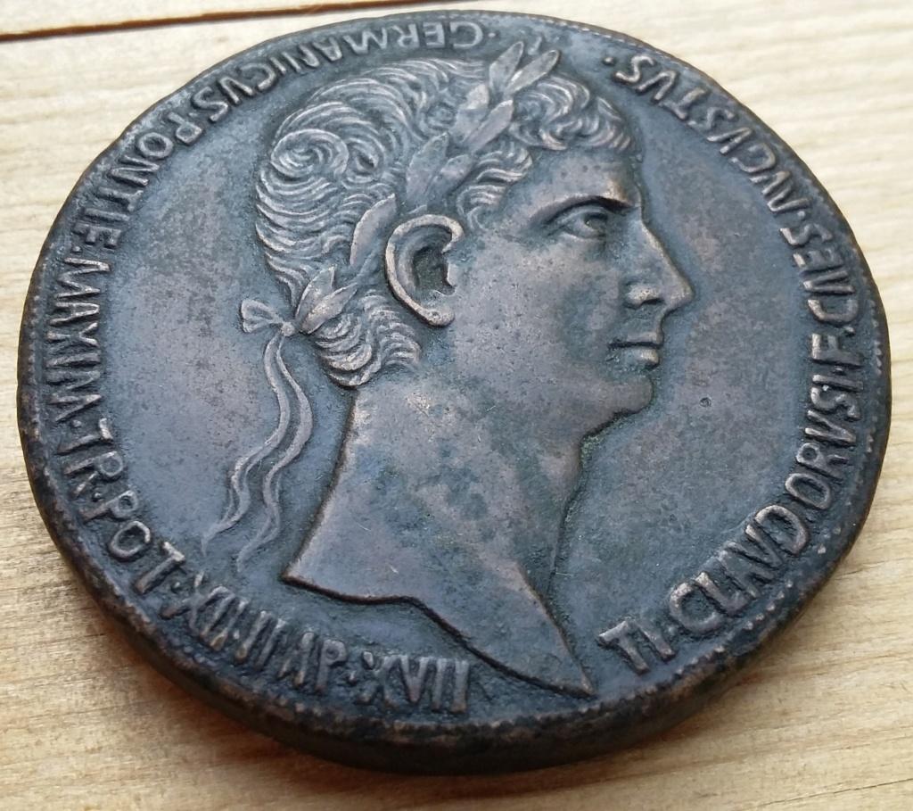 Médaille romaine ? D'époque ? XVIIIe? XIXe? 20190814