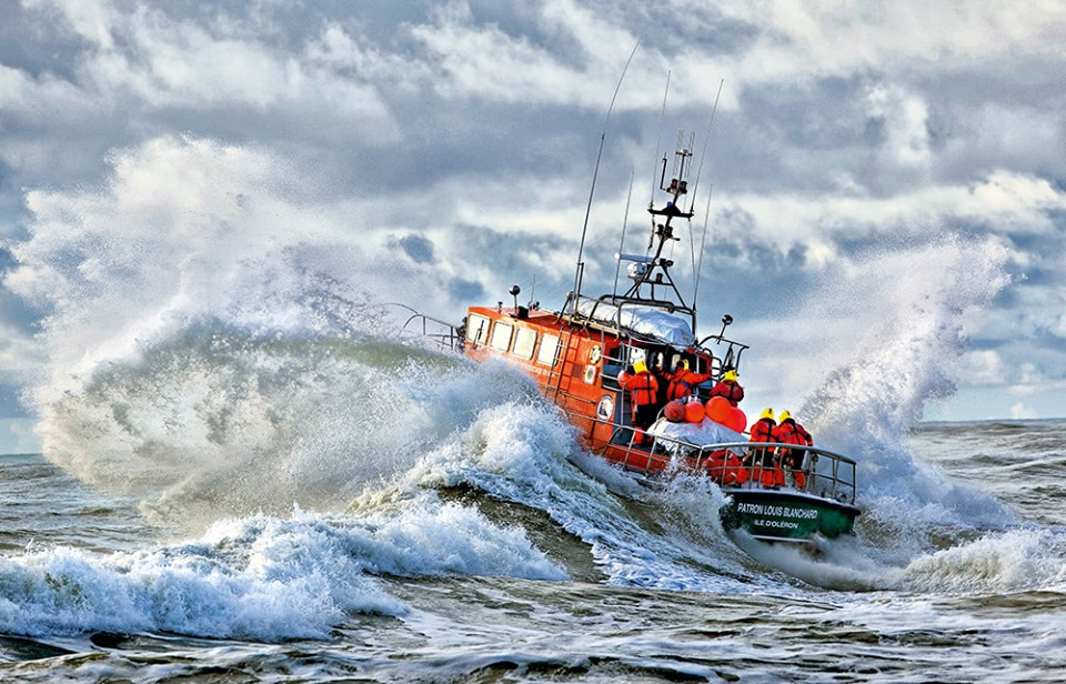 Naufrage d'un bateau de la SNSM : mort de trois sauveteurs 61607110