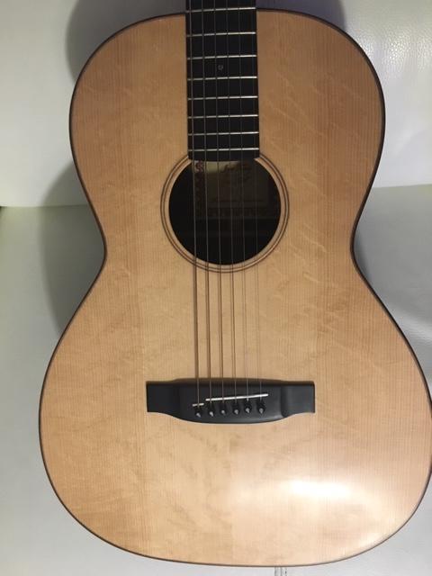 00 12 cases du luthier Jens Towet  Img_1413
