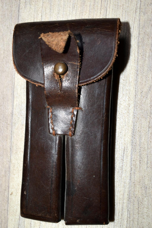 Une rare pochette porte chargeur de Luger de la marine impériale Dsc_0050