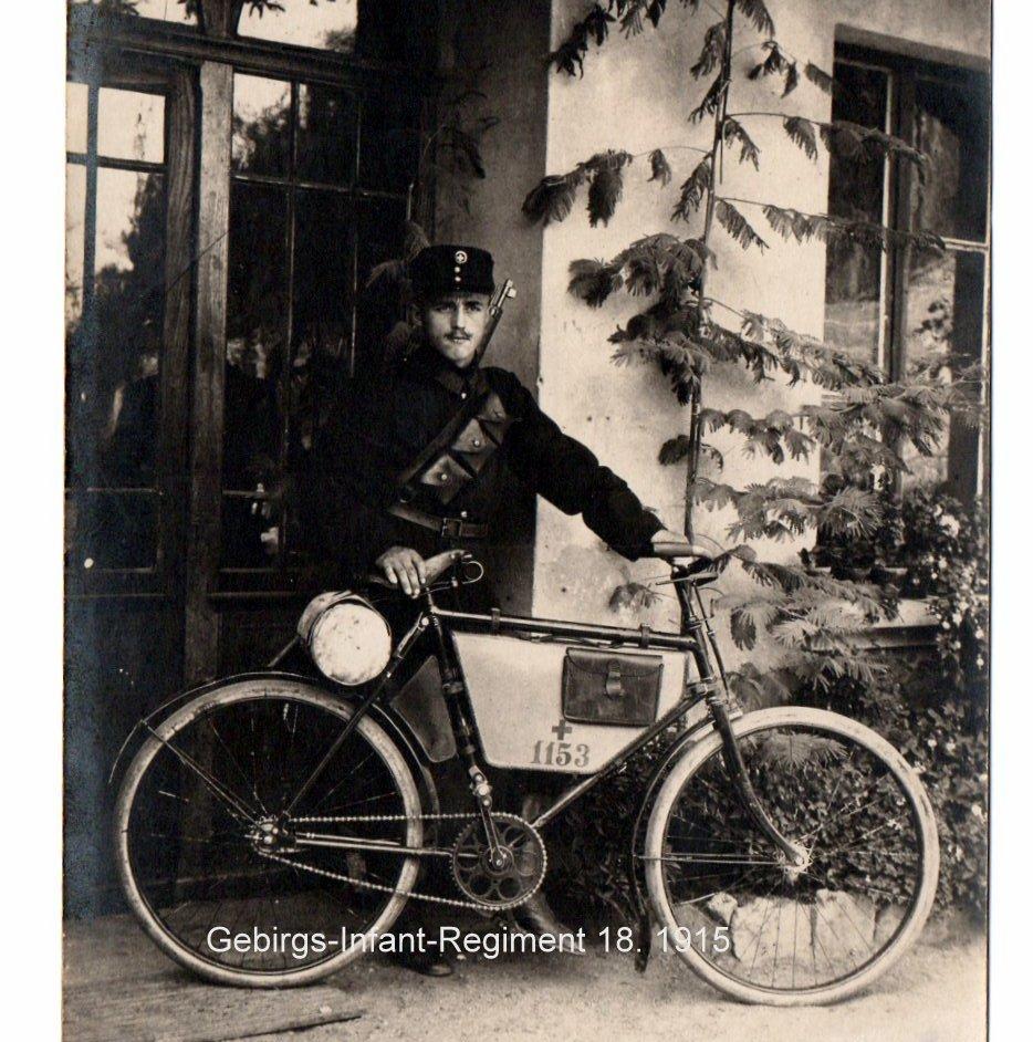 Les vélos militaires suisses - Page 3 Img20238