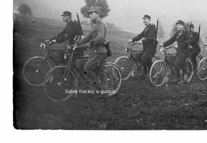Les vélos militaires suisses - Page 3 Img20248