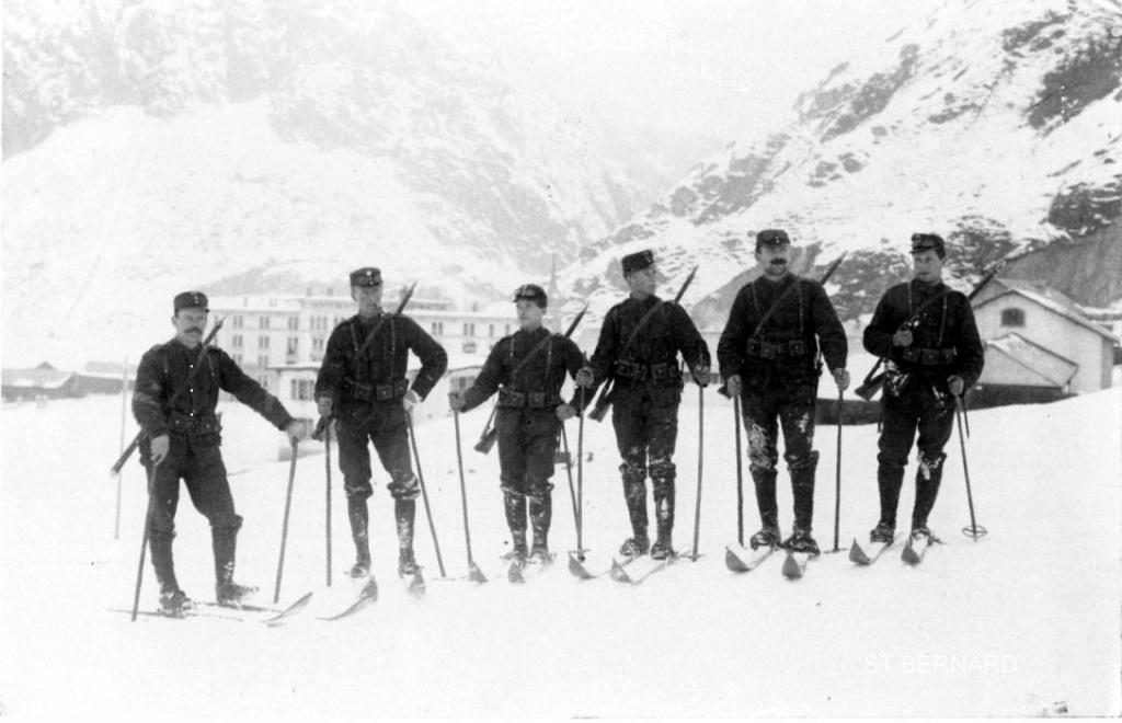Comment soigner une blessure avec une baïonnette dans l'Armée Suisse au début du siècle Img20312