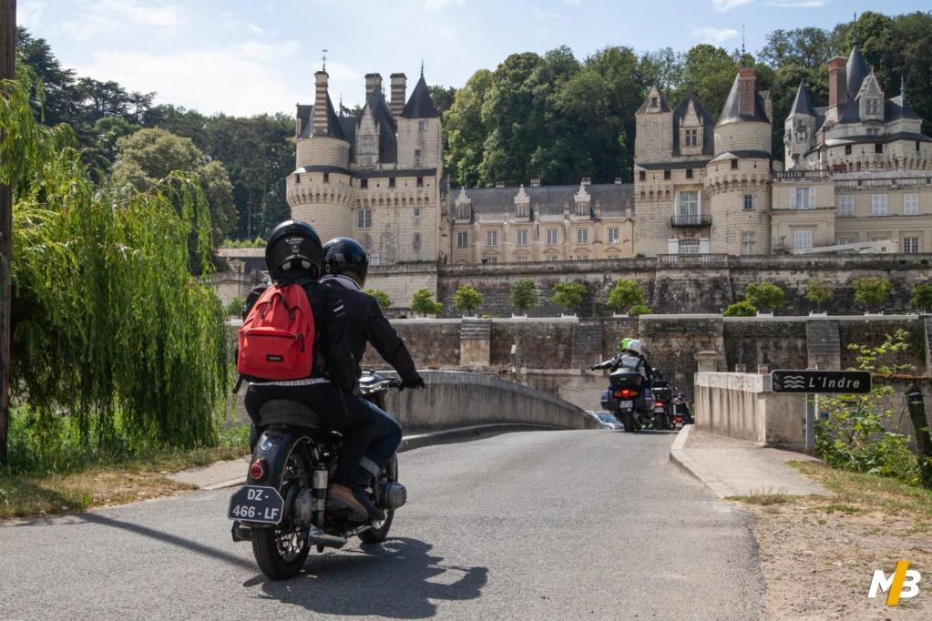 Photos de vous et de votre moto devant ....un château  - Page 17 Motobl10