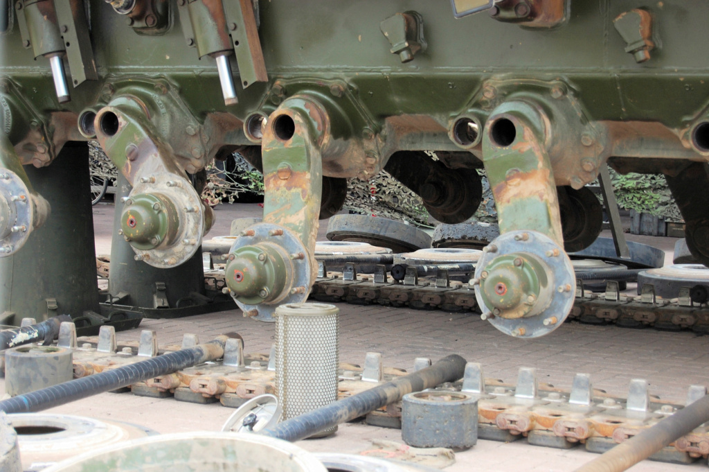 Netherlands Leopard 2A5 Disassembled - Image Link Mmxemq10