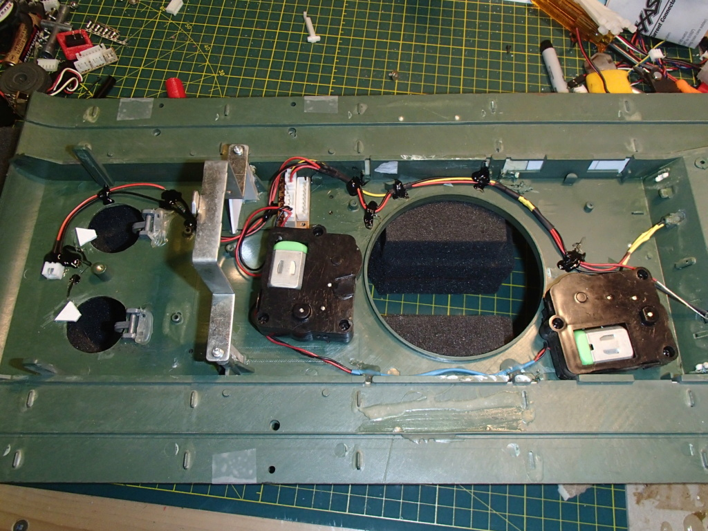 Updating the Russian KV-1 Pa010810