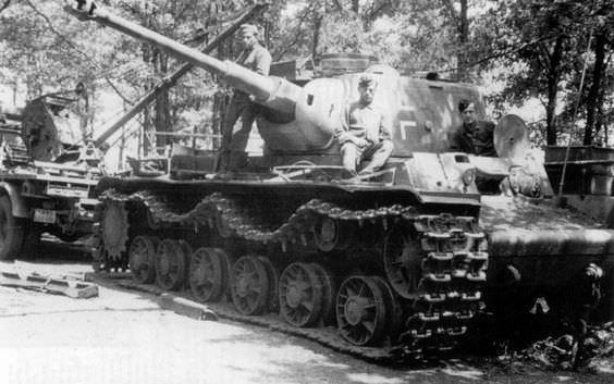 Strato's KV-1b 756(r) Qg8aqh10