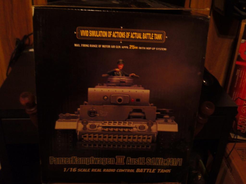 A couple NIB Tanks for sale... Sam_0015