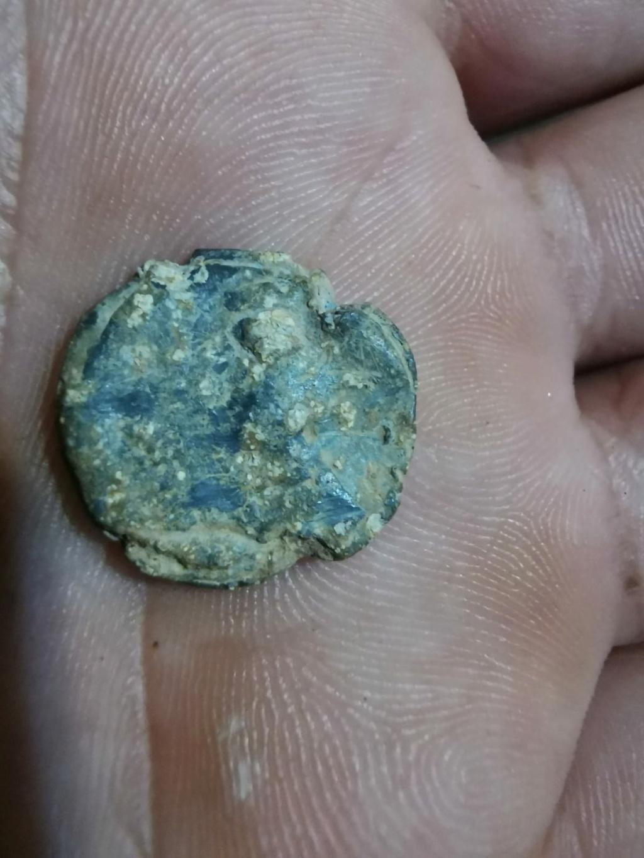 Moneda romana de plomo Img-2025