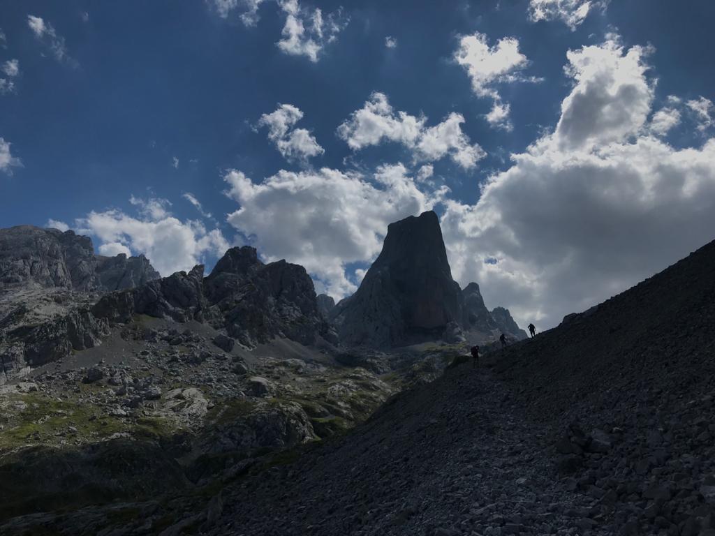 Topic:Deportes de Montaña..Escalada, Senderismo,Barranquismo....... - Página 3 Img-2013