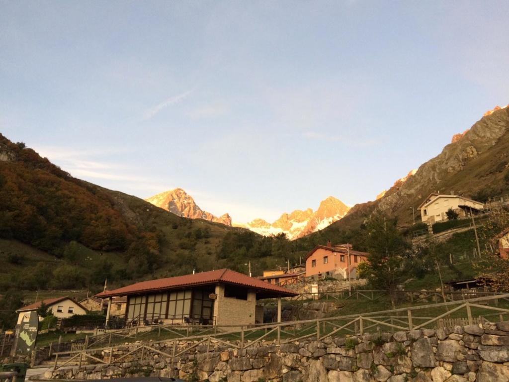 Topic:Deportes de Montaña..Escalada, Senderismo,Barranquismo....... - Página 4 Img-2018