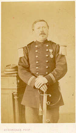 indentification officier vers 1868-1872  Off13t10