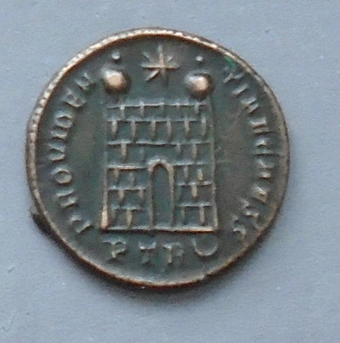 Centenionalis Constantin II ric 479 Consta10