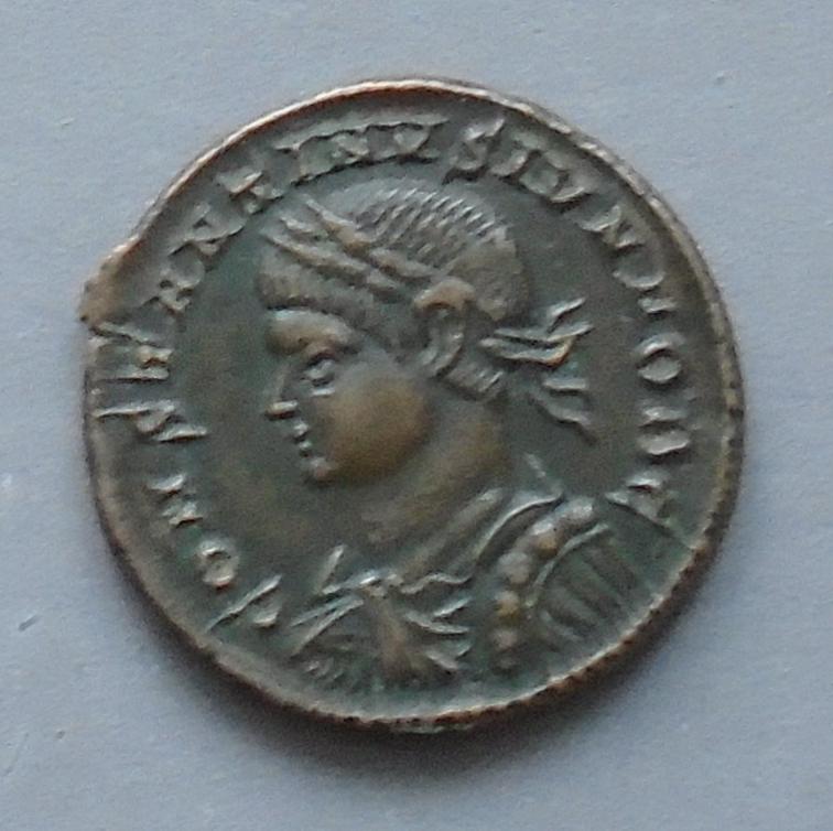Centenionalis Constantin II ric 479 Consta11
